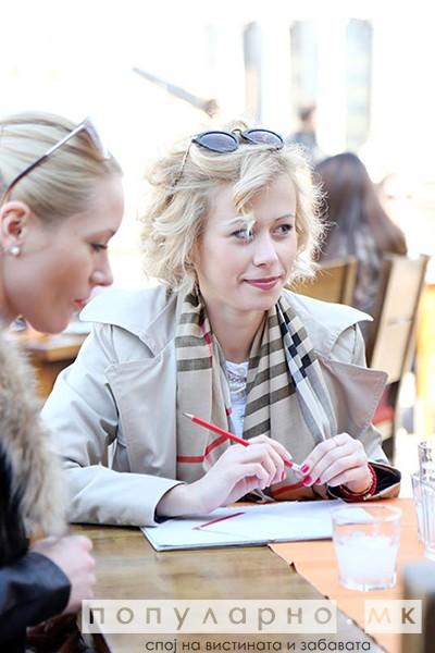 ФОТОГАЛЕРИЈА: Вчера скопјани го плаќаа кафето со поезија