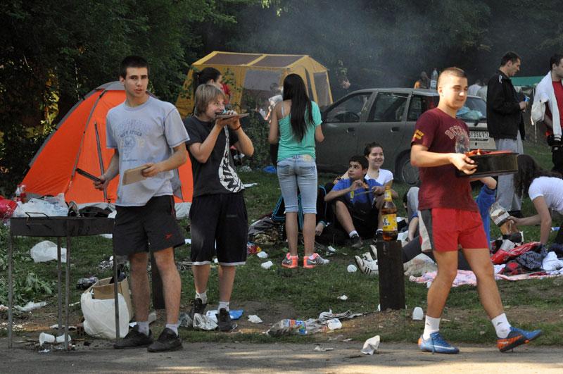 Внимателно за Први мај: 200 евра казна за палење оган, 50 евра казна за оставање отпад