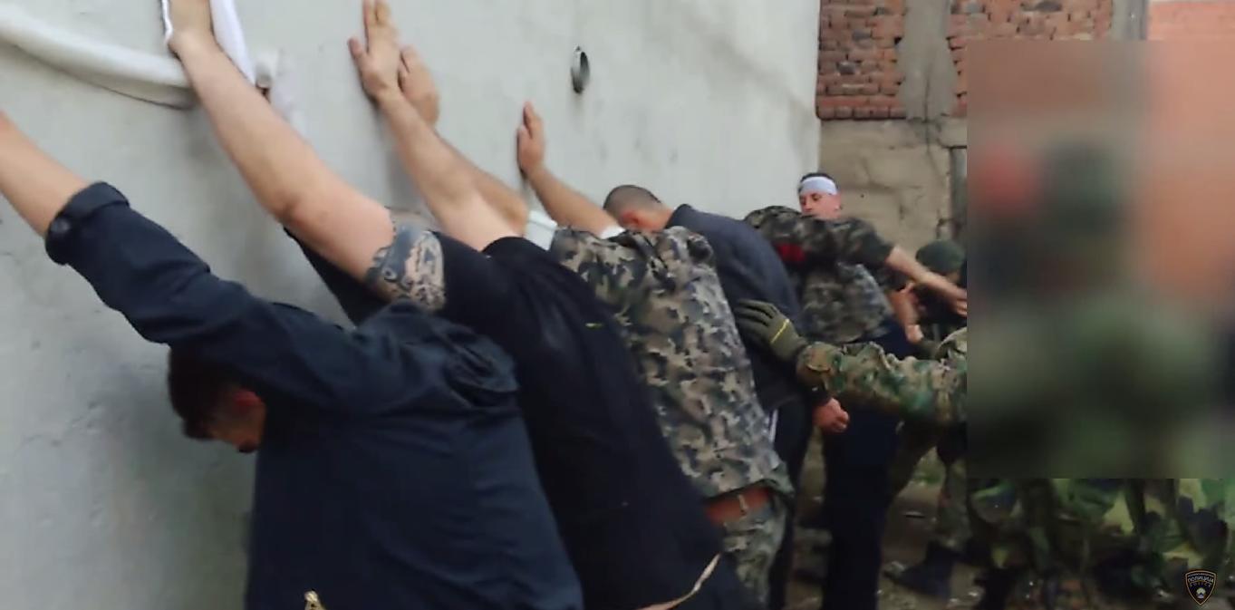 МВР: Видео од апсењето на терористите во Куманово