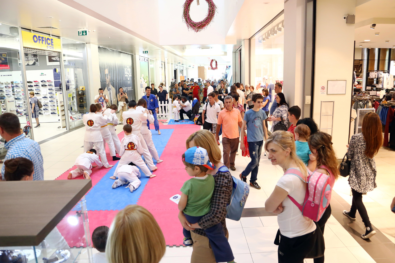 ФОТО: Отворен Спортскиот град во Скопје Сити Мол