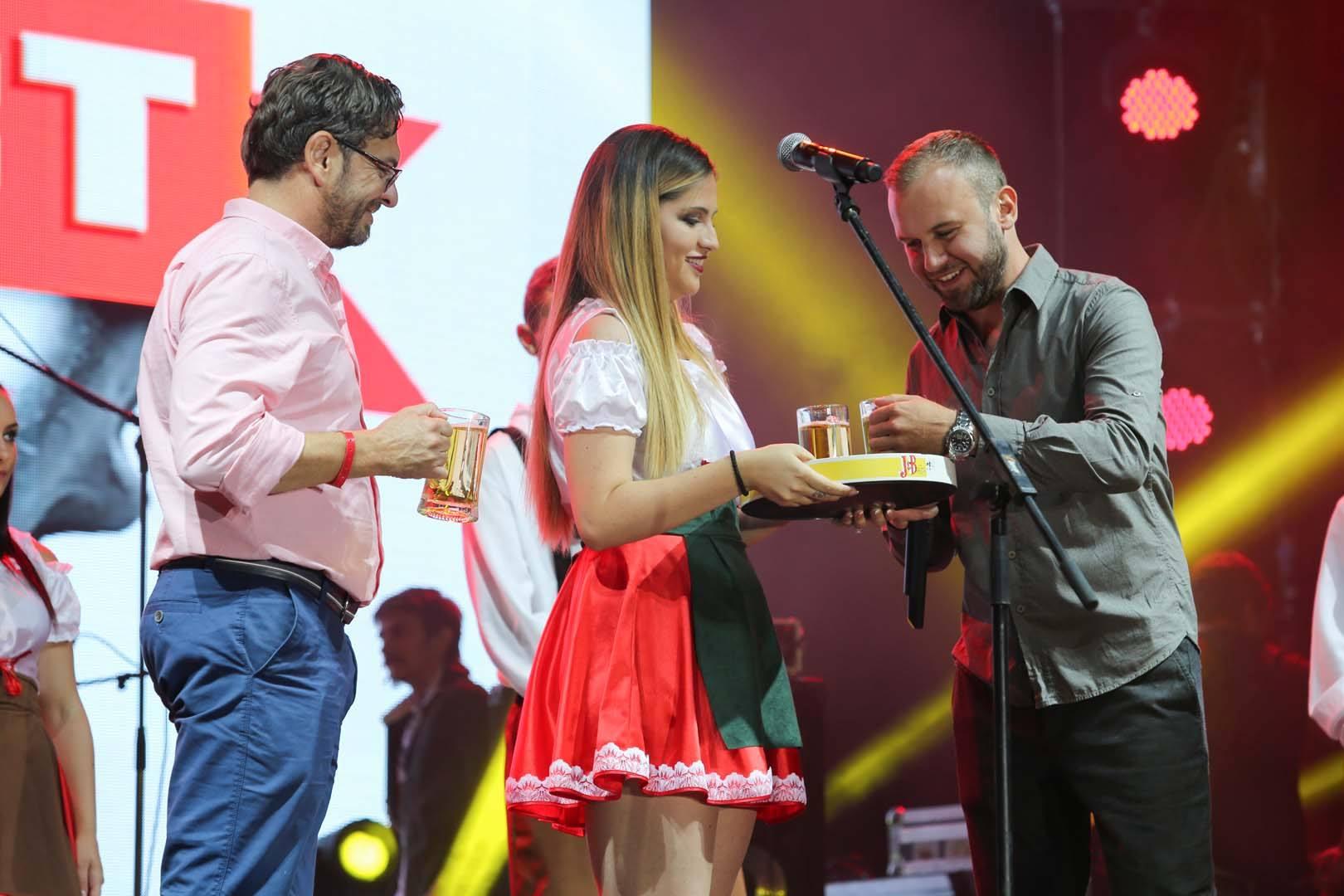 ФОТОГАЛЕРИЈА: Саша Ковачевиќ и Љубојна го отворија 13-тиот Пивофест
