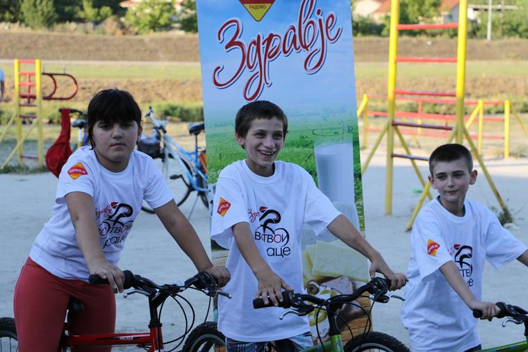 Здравје Радово донираше велосипеди на социјално загрозените семејства