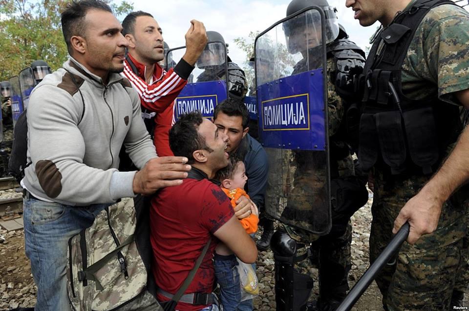 Тензично на јужната граница: Периодично се пропуштаат групи ранливи категории мигранти