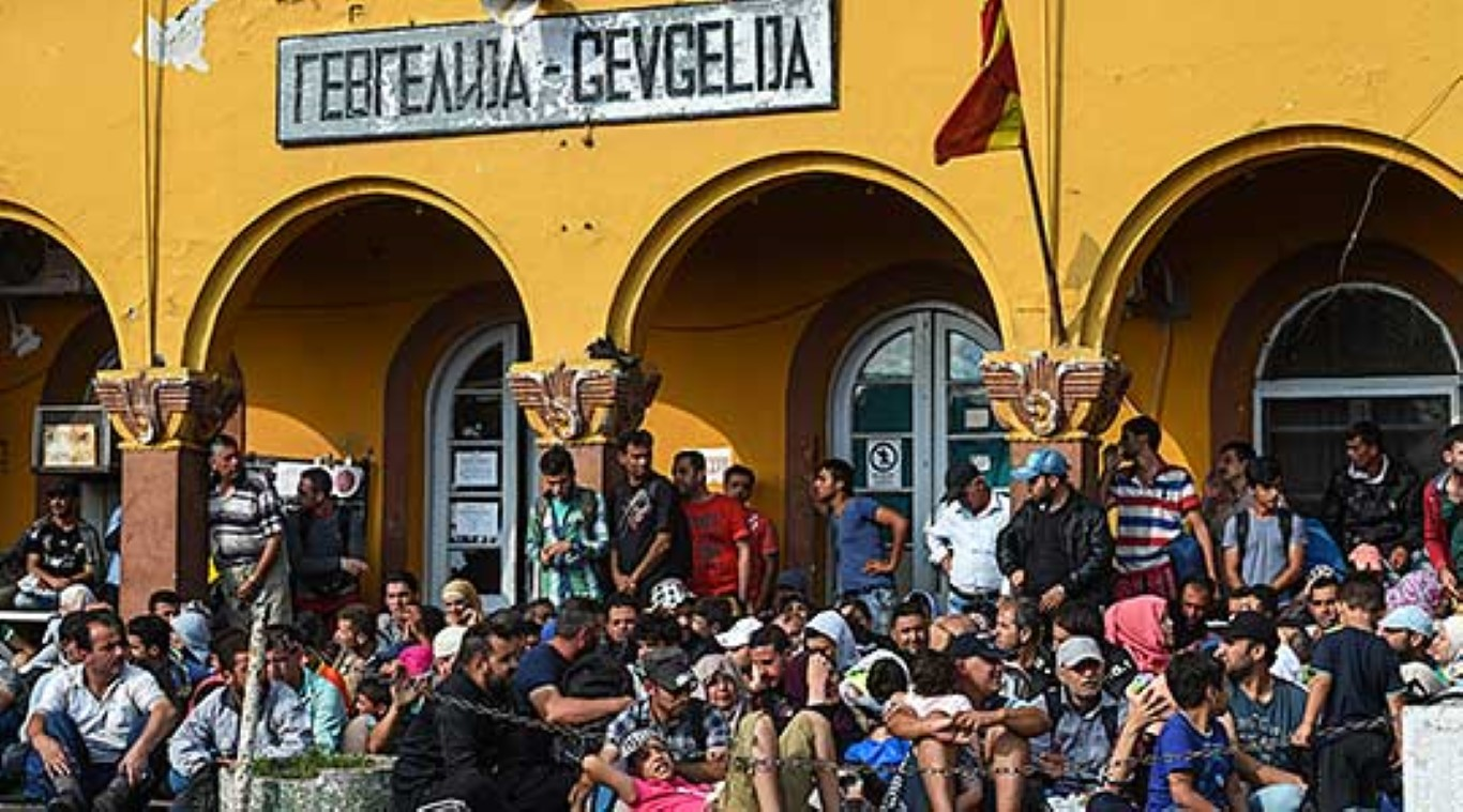 Пет воза со мигранти денеска од Гевгелија заминале кон Табановце