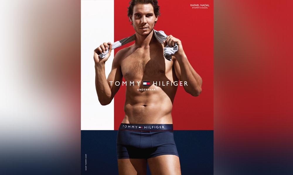 """ВИДЕО: Рафаел Надал се соблече до гола кожа за """"Томи Хилфигер"""""""