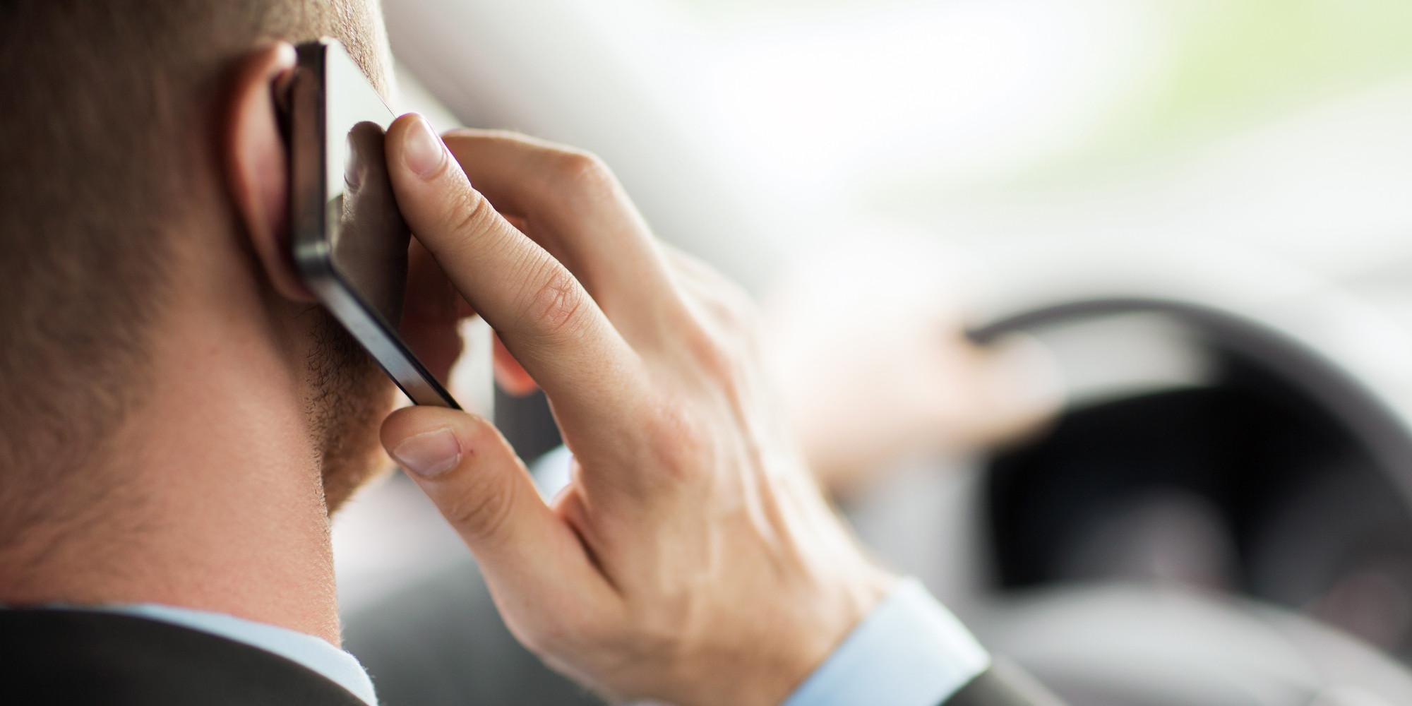 Предолгото користење мобилен телефон го оштетува 'рбетот