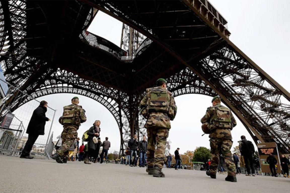 Во Франција ќе патролираат 10.000 војници за гарантирање на безбедноста