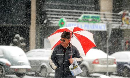 ВИКЕНД ВРЕМЕНСКА ПРОГНОЗА: Снег, засилен северен ветер и ниски температури!
