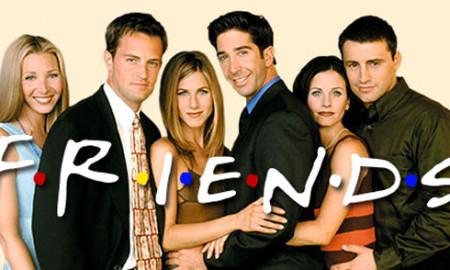 """ИЗНЕНАДУВАЊЕ ЗА ФАНОВИТЕ: Серијата """"Пријатели"""" се враќа на ТВ екраните"""
