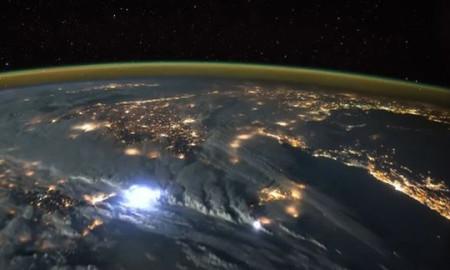 Астронаут објави видео од невреме со грмотевици насекаде низ светот (ВИДЕО)