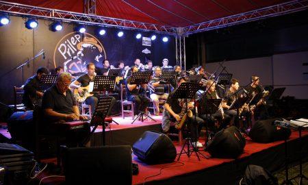 """Овации за """"Биг бендот"""" на МРТВ на стартот на Интернационалниот џез фестивал во Прилеп (ФОТО)"""