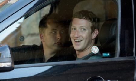 """Марк Цукерберг и натаму вози """"Голф"""""""