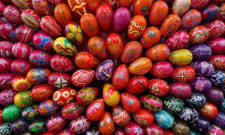 Што значи бојата на велигденските јајца?