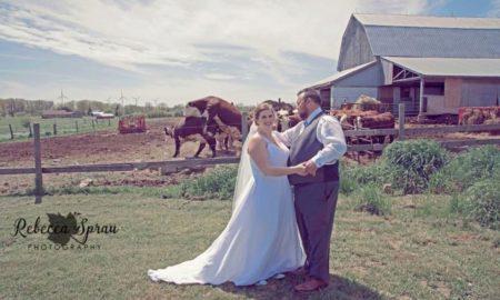 Свадбена фотографија стана хит на интернет