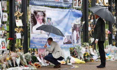 СЕЌАВАЊЕ: Светот одбележува дваесет години од смртта на принцезата Дијана (ФОТО)