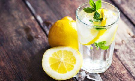Детоксикацијата со топла вода и лимон е мит