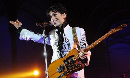 Гитара на Принс продадена за 700.000 долари