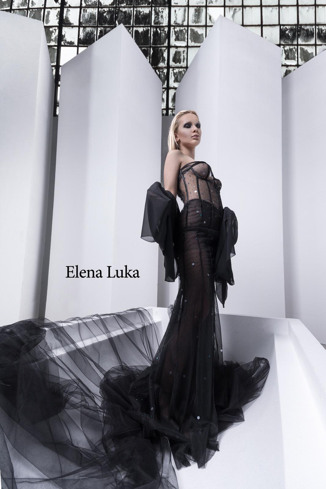 """Ексклузивен фото-едиторијал за авангардната колекција на Елена Лука """"Back2Black"""""""