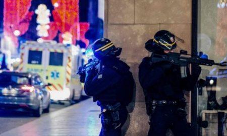 Тројца загинати во нападот во Стразбур, напаѓачот се уште во бегство